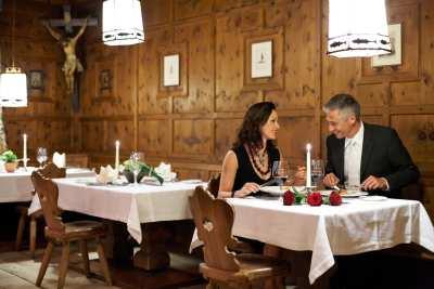 otztaler-stube-central-hotel-soeldencurs-homberger.jpg